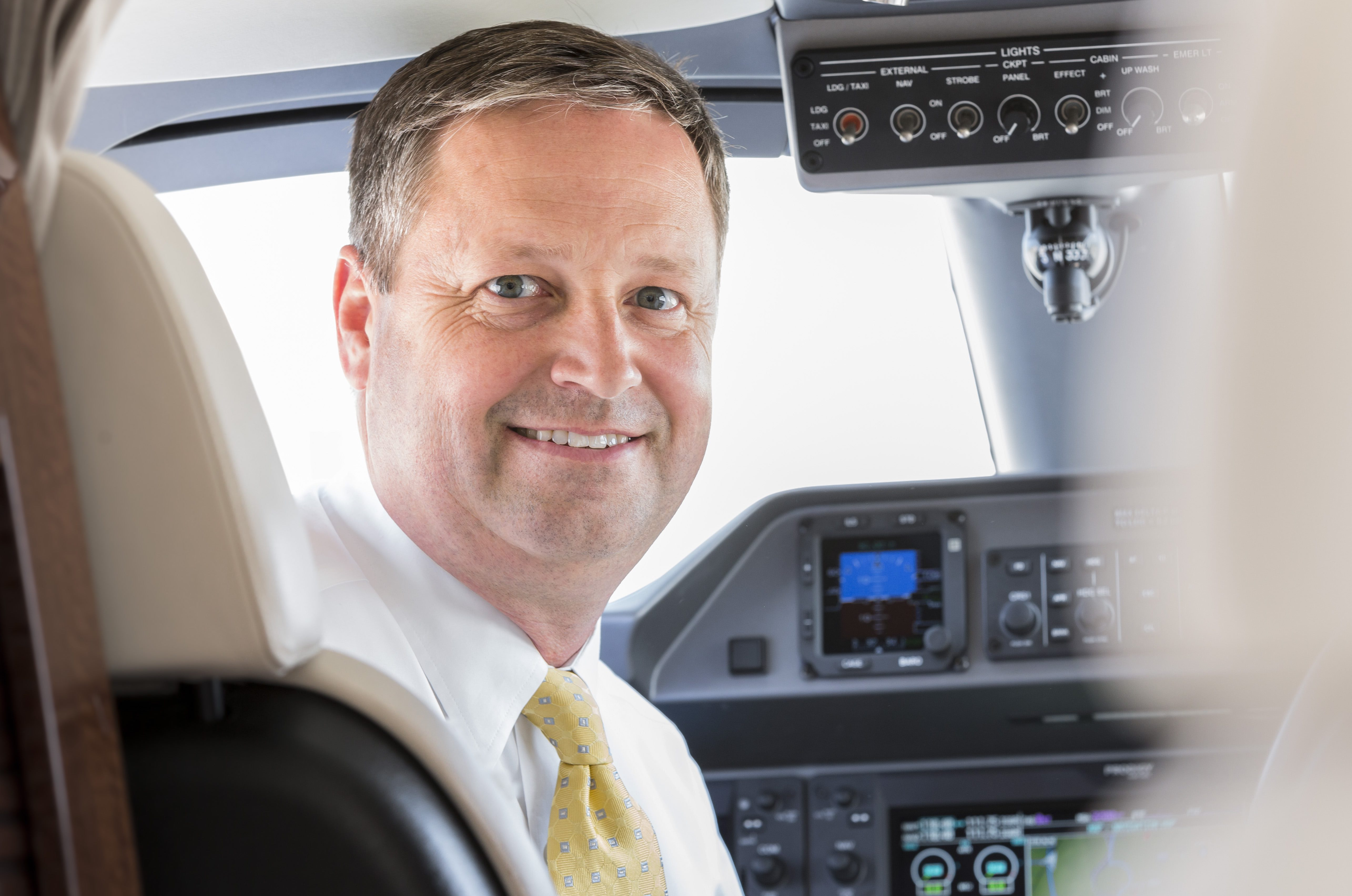 Co-founder of Executive AirShare will step down
