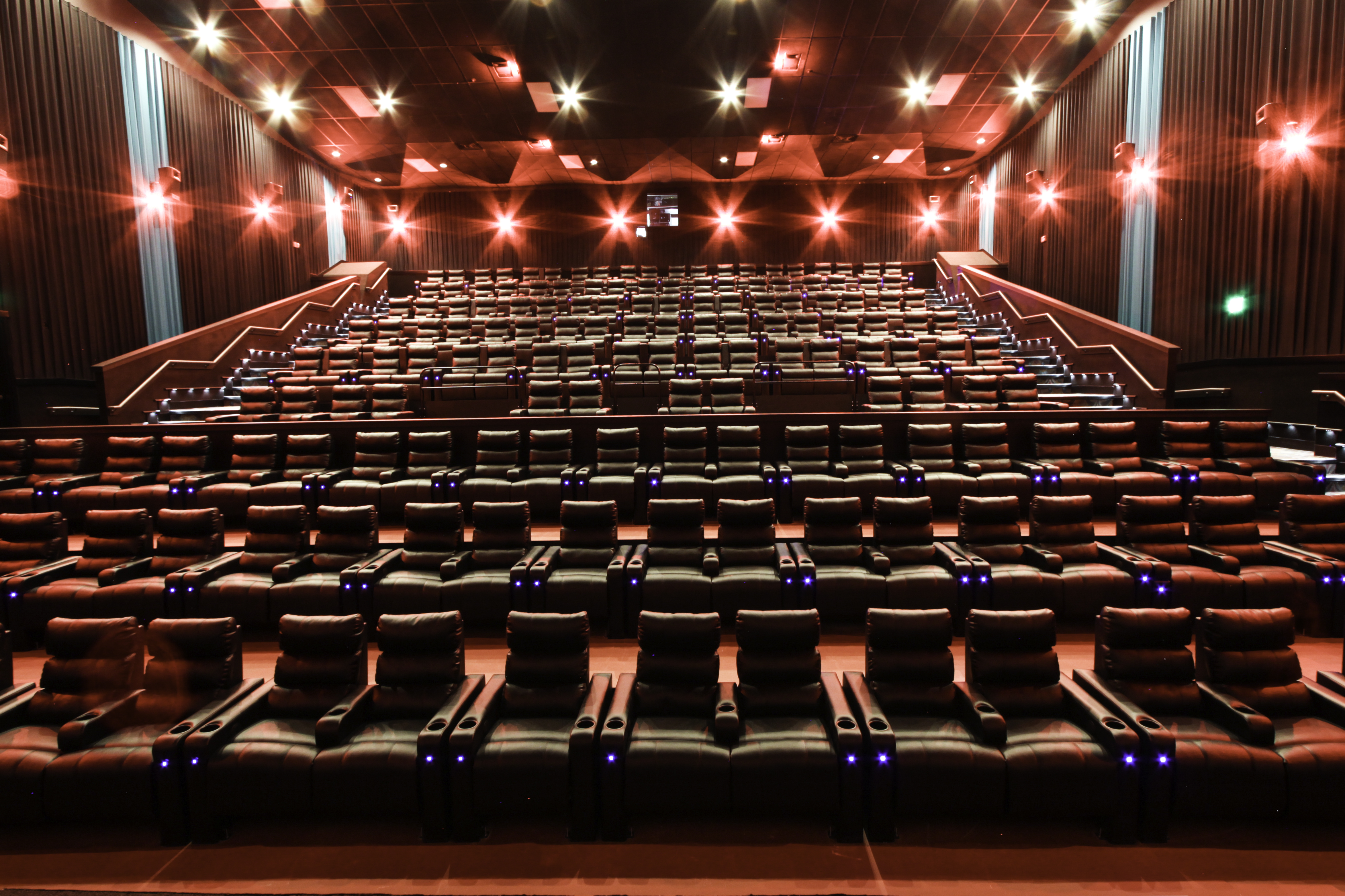 boutique movie theater opening in lees summit