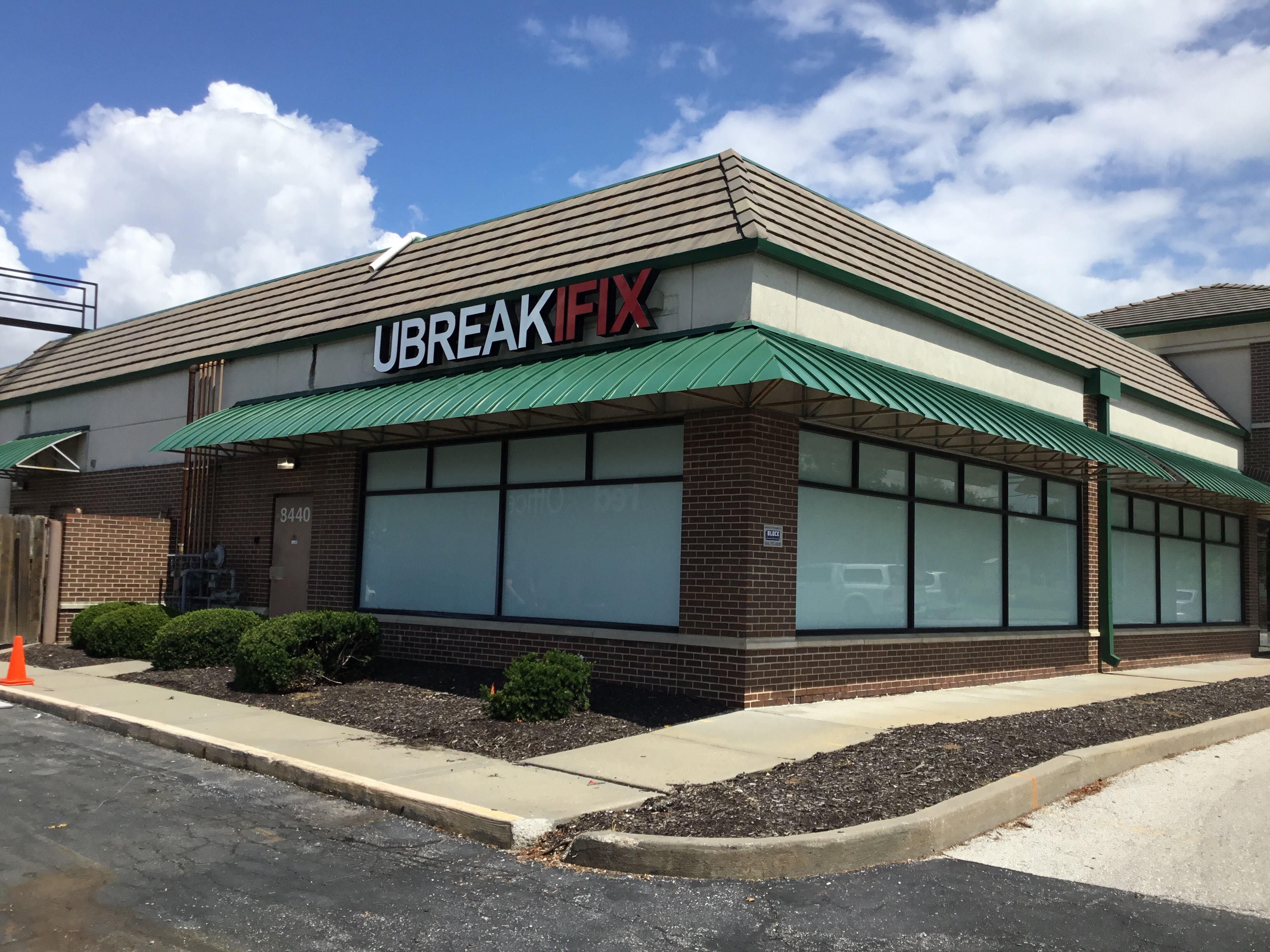 New locations of uBreakiFix open this month